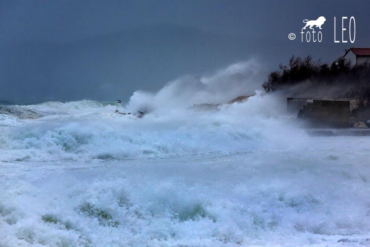 Image d'illustration pour Tempête Anton en Méditerranée : vent, inondations et blizzard