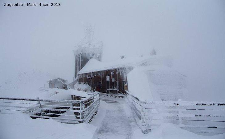 Image d'illustration pour Froid en Antarctique - Neige en Allemagne / Australie